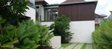 House Like a Villa for Sale in Renon Denpasar indoor Swimming Pool