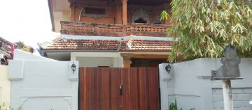 Balinese Style House for Rent Long Term in Kerobokan closed to Canggu