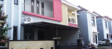 One Gate Minimalist House for Sale in Denpasar Barat