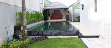 Nice Villa for Sale in Bali Located in Berawa with Large Swimming Pool