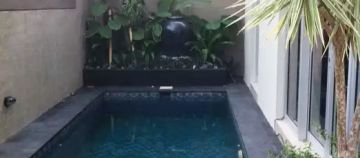 Villa with Pool for sale in Berawa Canggu Bali